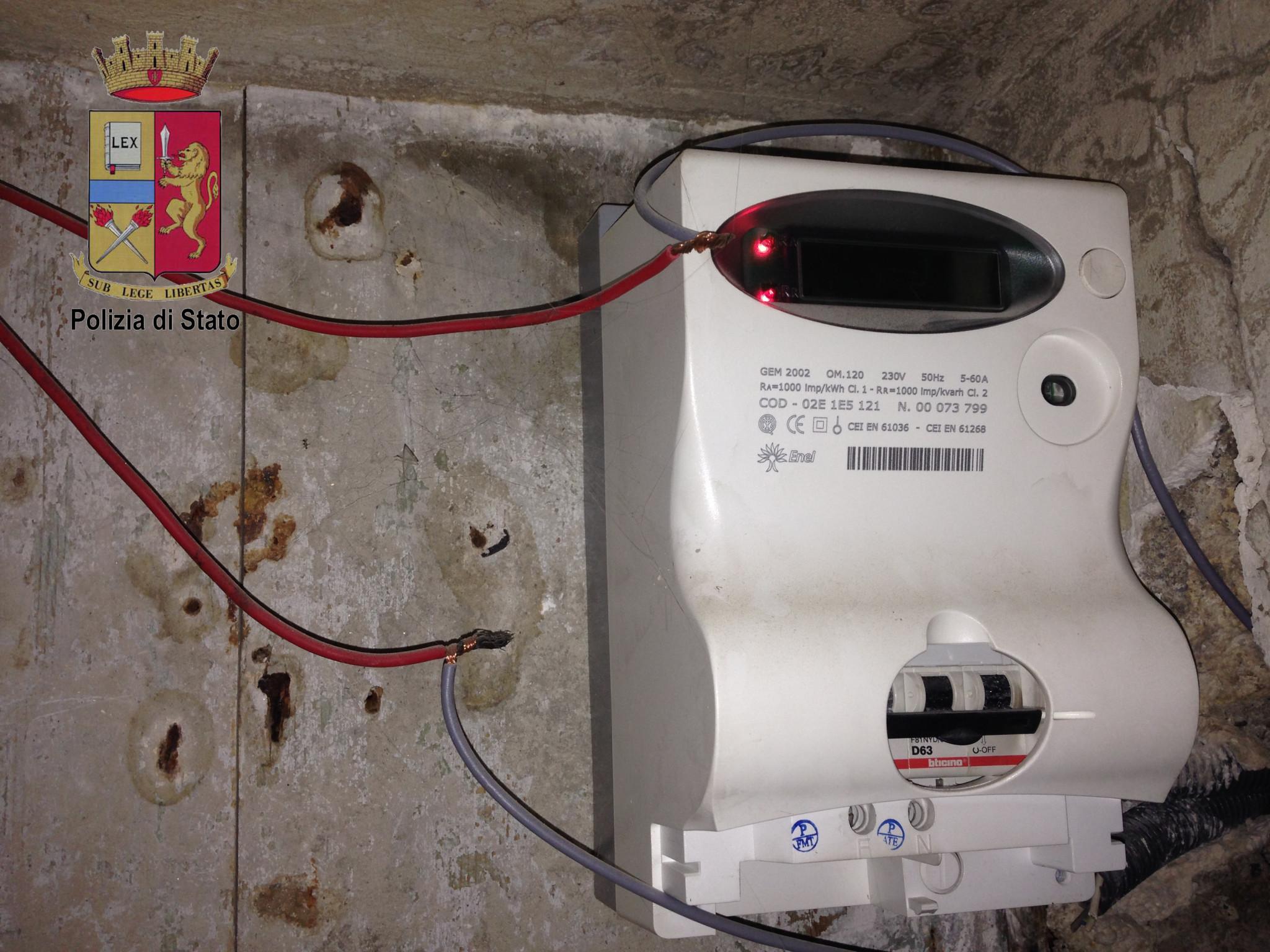 Denunciate 20 persone per furto aggravato di energia for Contatore luce