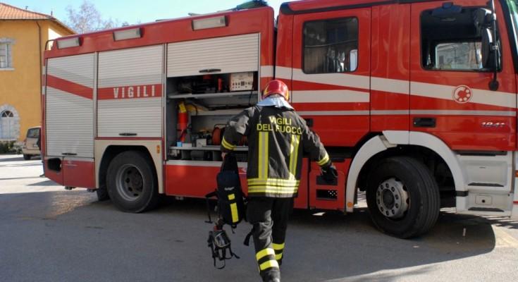 vigili-del-fuoco-pompieri-generica-1024x685
