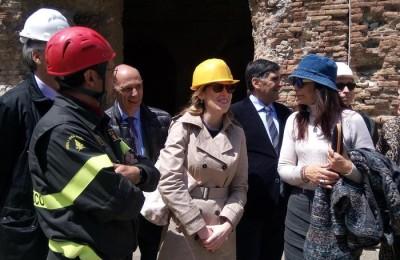 Il sottosegretario alla presidenza del Consiglio, Maria Elena Boschi, nel corso del sopralluogo nei cantieri del G7 a Taormina (Messina), 22 aprile 2017. ANSA