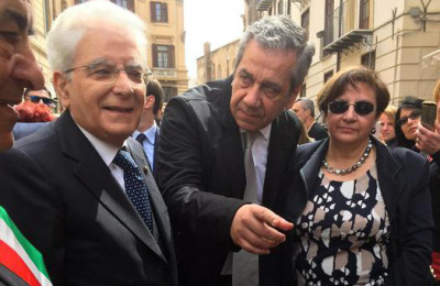 Mattarella a Palermo: appello disabili, presidente ci aiuti