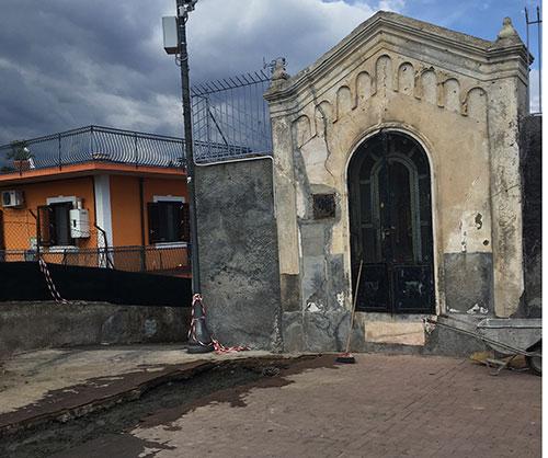 La piazza di santa caterina rischia di implodere l 39 urlo for Torrisi arredi giardino catania