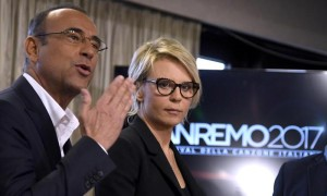 Italian hosts Carlo Conti and Maria De Filippi pose during a photocall at the 67th Festival of the Italian Song of Sanremo, in Sanremo, Italy, 06 February 2017. The 67th edition of the television song contest runs from 07 to 11 February. ANSA/CLAUDIO ONORATI