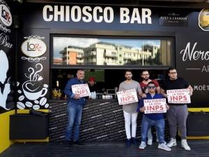 Al chiosco-bar di corso Italia