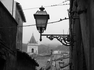 800px-Maletto_scorcio_del_campanile