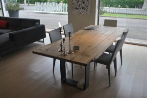 Tavolo_legno_massello