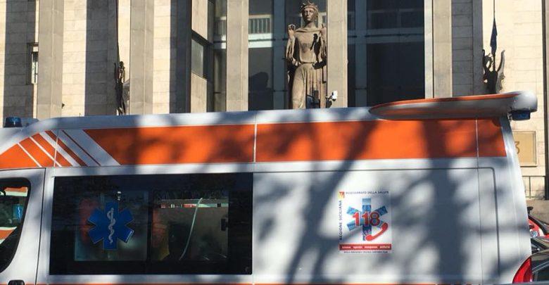 Licenziato minaccia di buttarsi dal Tribunale di Catania